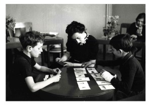 maria-montessori with kids